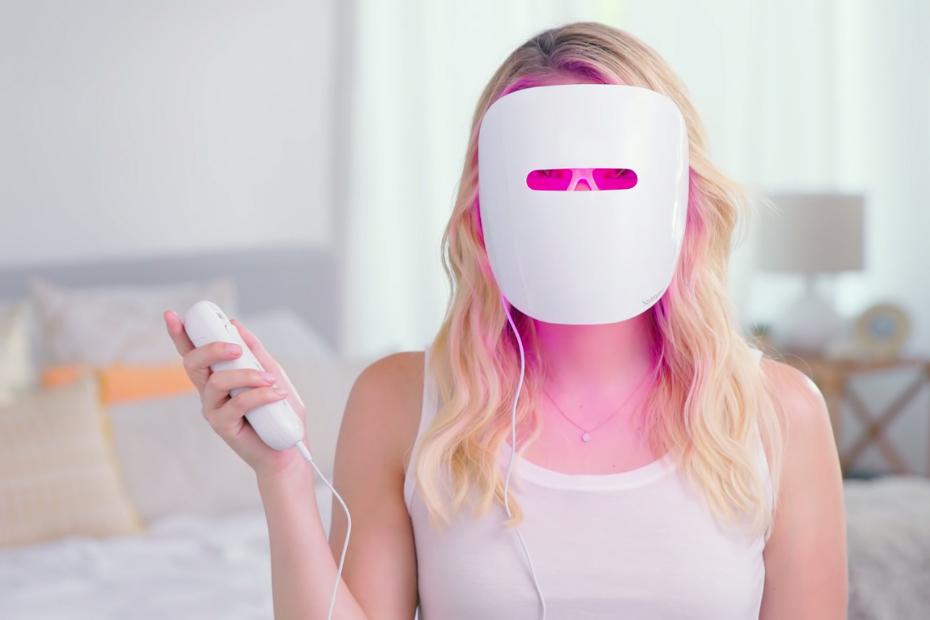 Neutrogena lance son masque de luminothérapie anti-acné en France