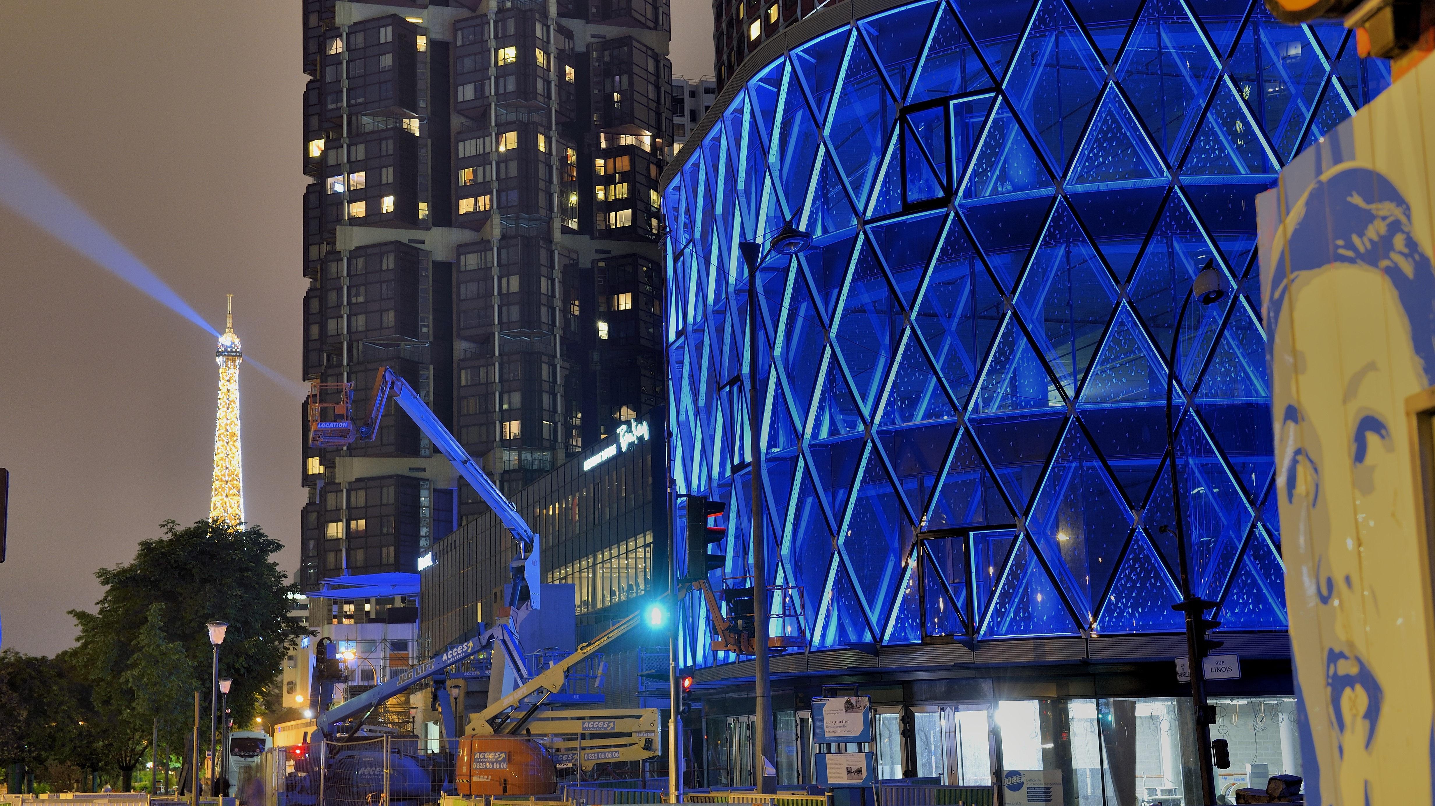 Beaugrenelle ressuscite en hybride de centre for Centre commercial grand tour