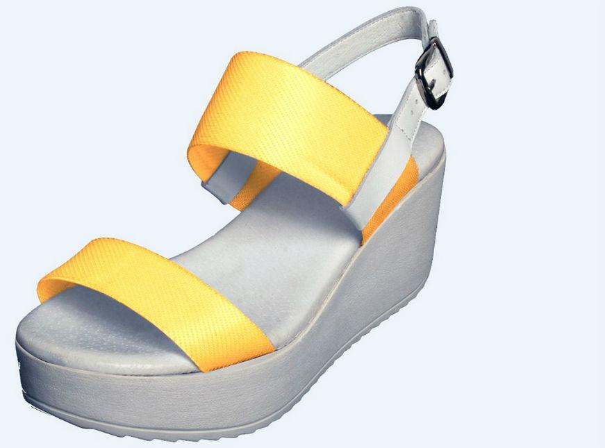 Voici Chosse, la chaussure qui change de couleur comme vous voulez.