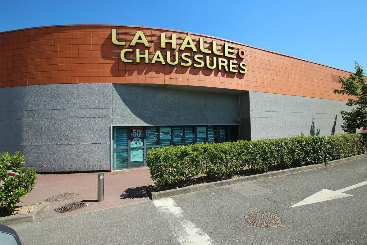 5febe4121d6fd7 La Halle aux chaussures : la liste des 141... - Textile, habillement