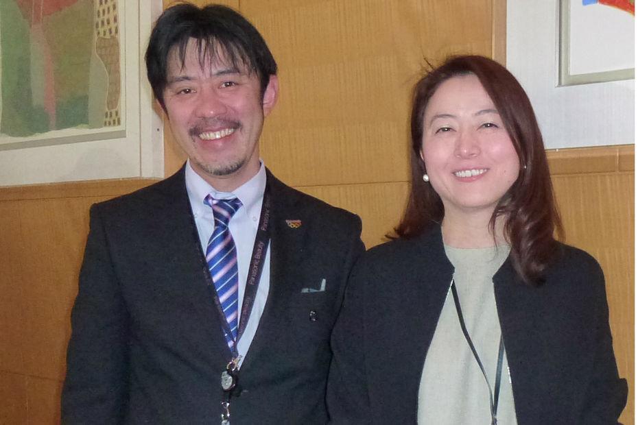 de gauche à droite  Akihiko Kato, responsable monde de l activité petit  électroménager 0bc4e3b197b0
