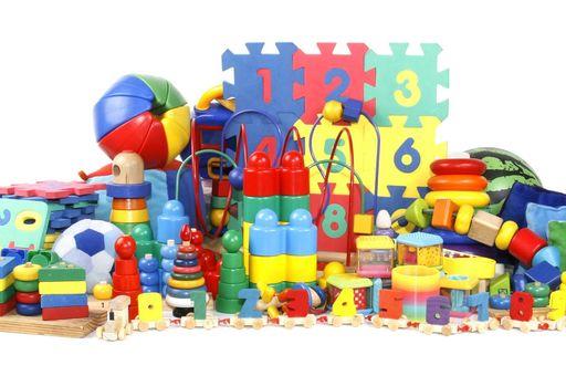 La Toys'r'usActualités Conso Jouets Chaîne De Sur Lsa Magasins 0nwkOP