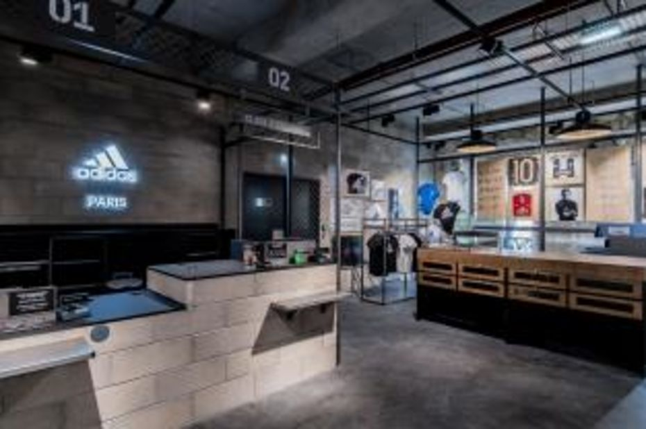 16d6f4ab2e Adidas ouvre un cinquième magasin à Paris - Sport, Articles sportifs