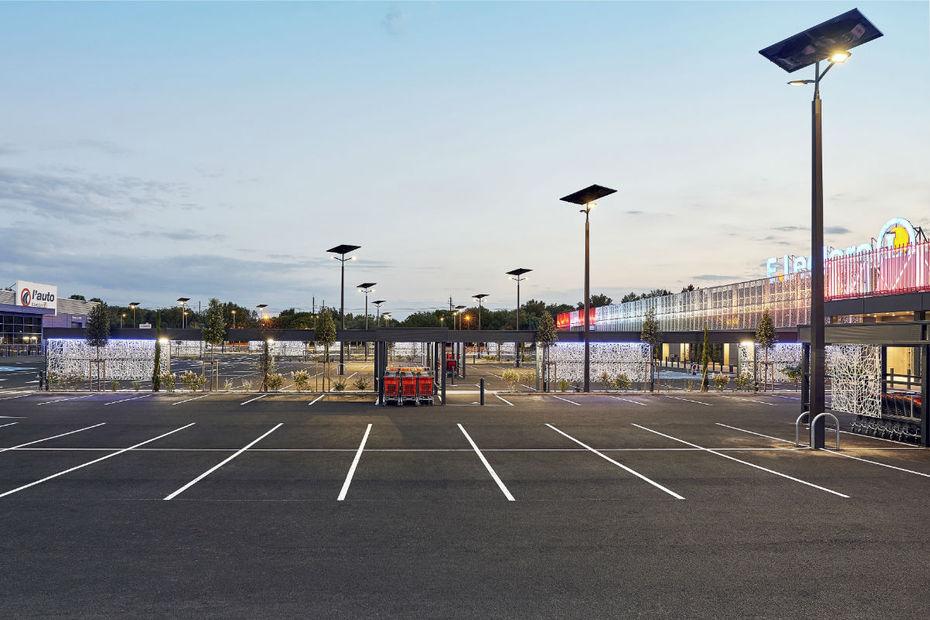 leclerc inaugure le premier parking d hyper. Black Bedroom Furniture Sets. Home Design Ideas