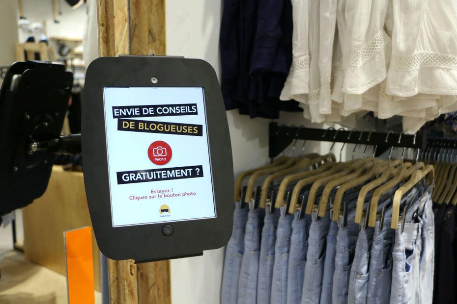 Comment aider une cliente qui, après avoir essayé un vêtement en magasin,  hésite à passer le cap de l achat   C est le principe de l application  AskAnna, ... a34b8f2e338