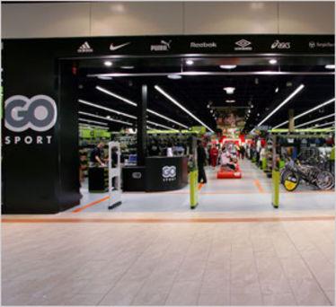 16cf59a8b9c Seule bonne nouvelle   les magasins déjà remodelés au nouveau concept ont  surperformés au premier semestre