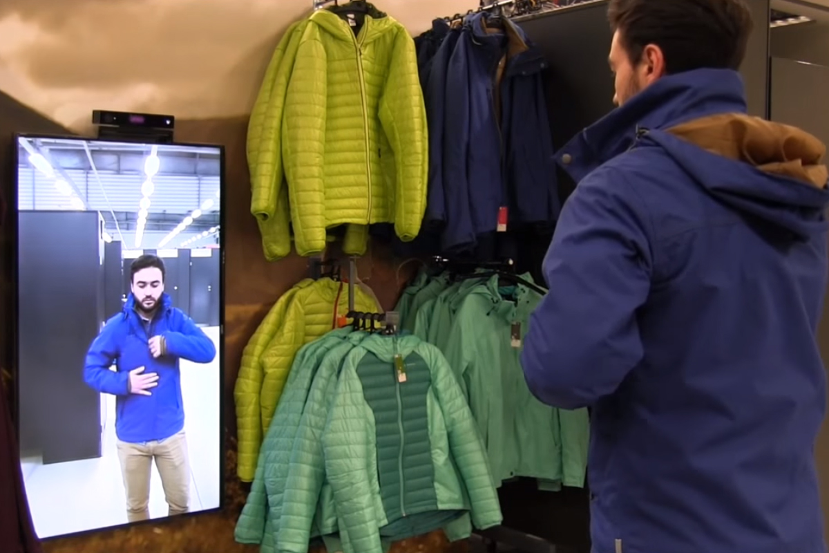 Decathlon teste le miroir intelligent for Miroir intelligent