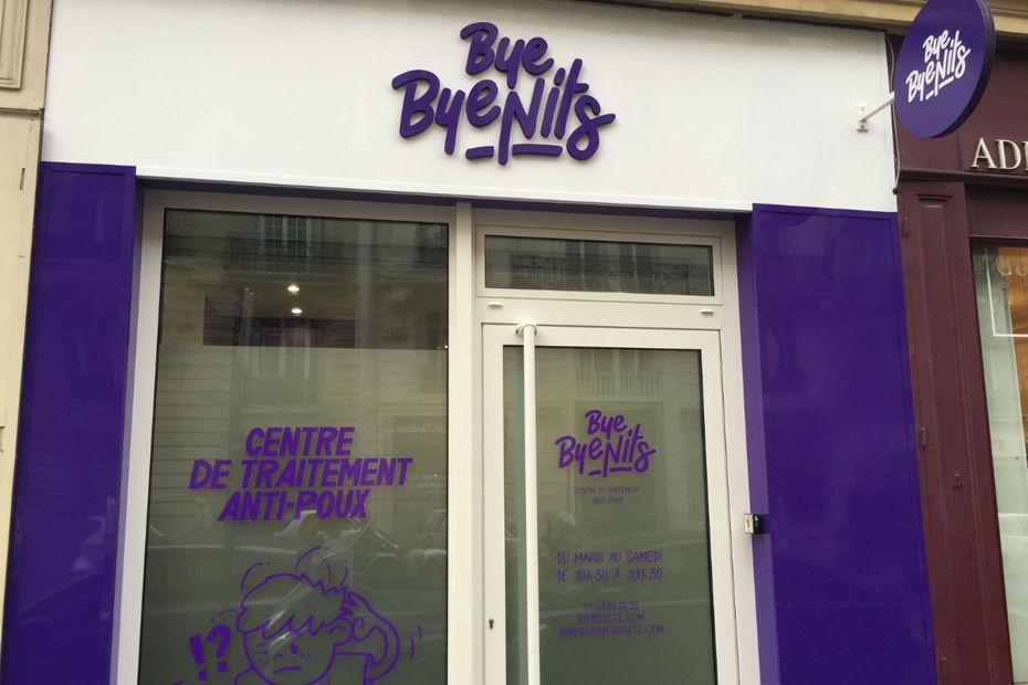 Le centre de traitement anti-poux Bye Bye Nits s'est ouvert en novembre 2015 à Paris.