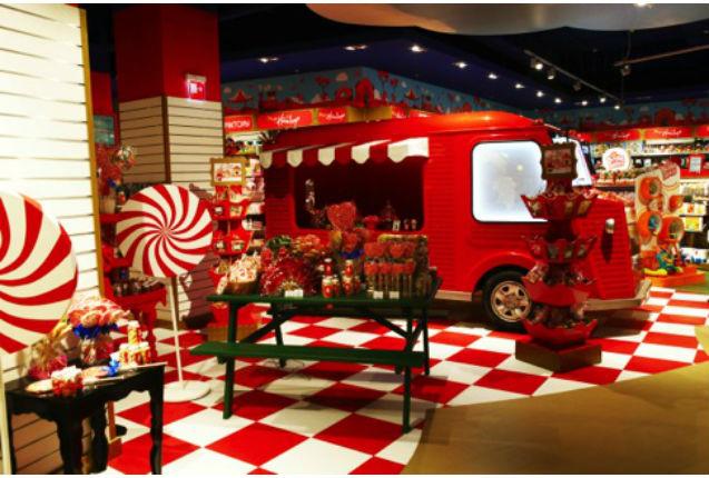 A moscou hamleys groupe ludendo ouvre le - Grand magasin de jouet a londres ...