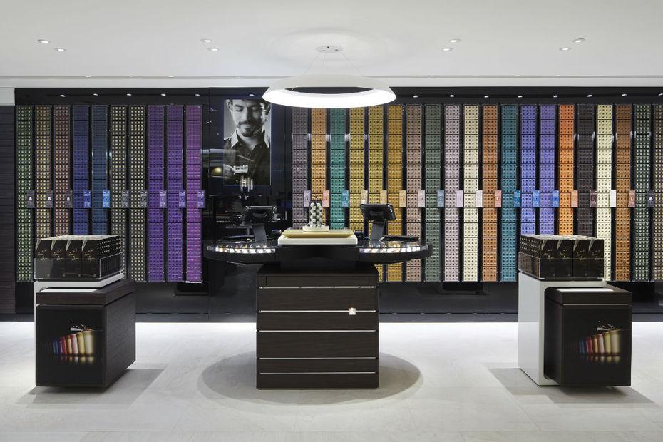 nespresso ouvre une boutique pilote connect e. Black Bedroom Furniture Sets. Home Design Ideas