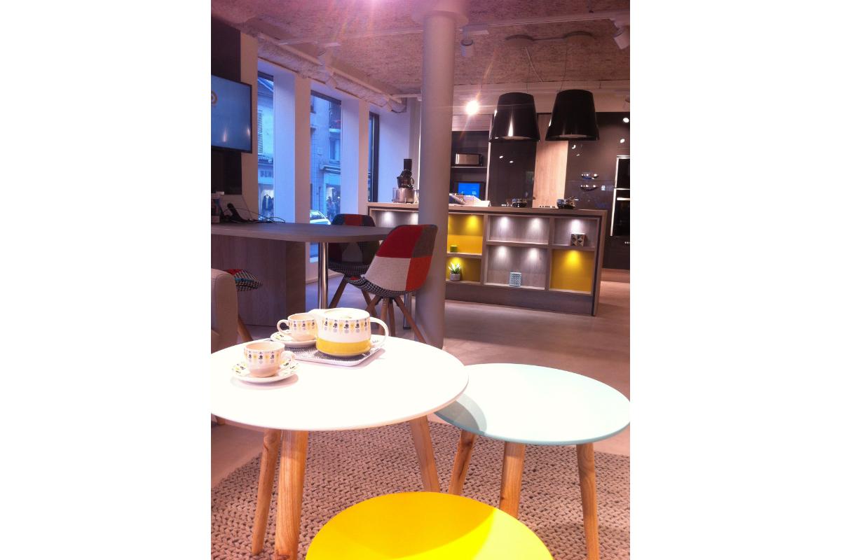plaisant espace cuisine. Black Bedroom Furniture Sets. Home Design Ideas