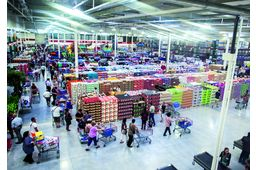 Ouverture du premier magasin Costco en France