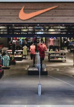 Nike ouvre un magasin marseille textile habillement - Les terrasses du port magasins ...