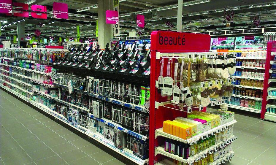 Un investissement de 180 millions d'euros est prévu dans les hypermarchés français de l'enseigne cette année.