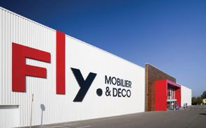 Mobilier europ en fly file tout droit vers march for Mobilier fly