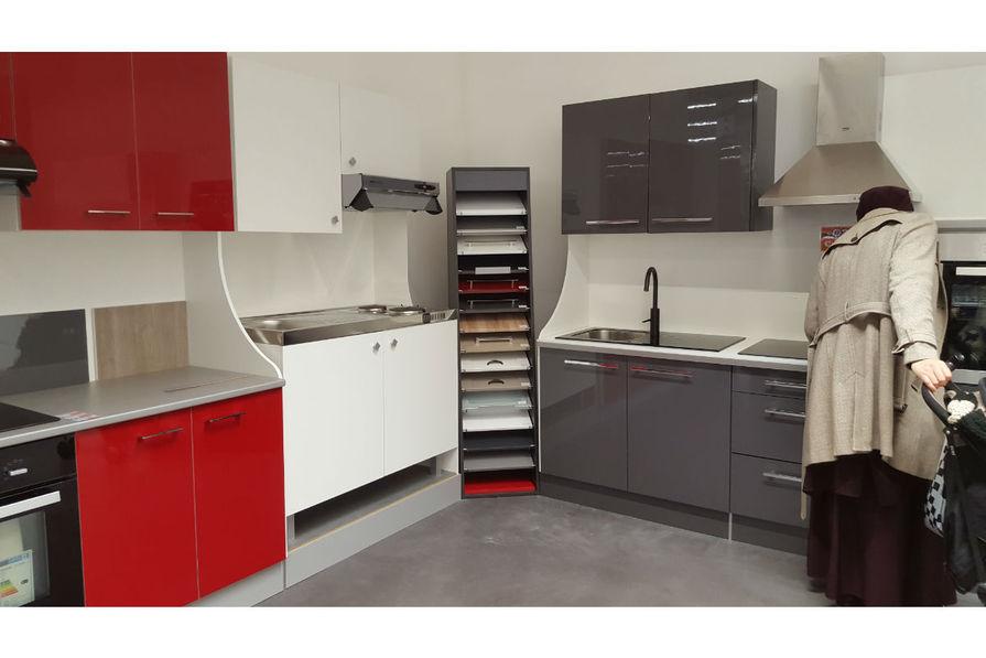 brico cuisines. Black Bedroom Furniture Sets. Home Design Ideas