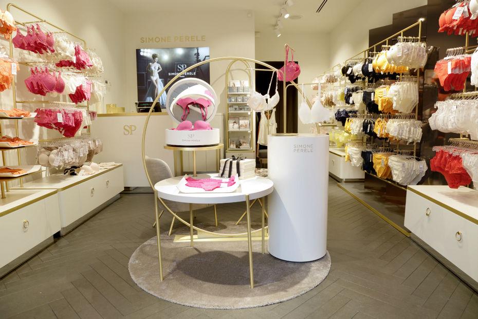 Simone p r le veut doubler son parc de magasins textile habillement - Simone paris boutique ...