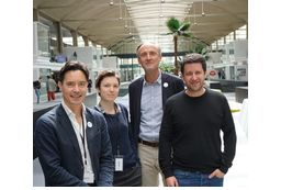 Une partie de l'équipe parisienne d'Alcméon, installée à Station F (de g. à dr.) : Charles Doxuan (responsable marketing), Emma Henning (assistante marketing), Bertrand Stephann (CEO et cofondateur) et Olivier Gardini (directeur produit).