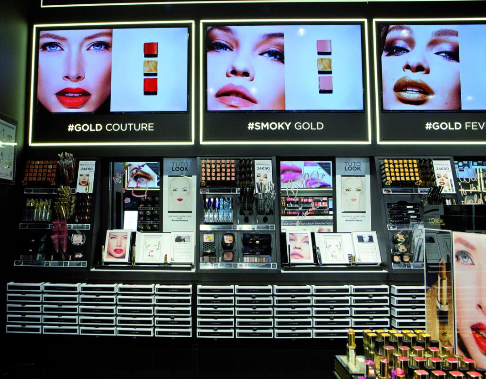 La boutique l 39 or al paris allie digital et for Chez leon meuble montreal