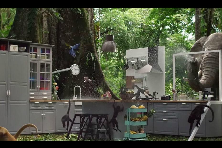Ikea teste ses cuisines dans la jungle vid o for Monter sa cuisine ikea