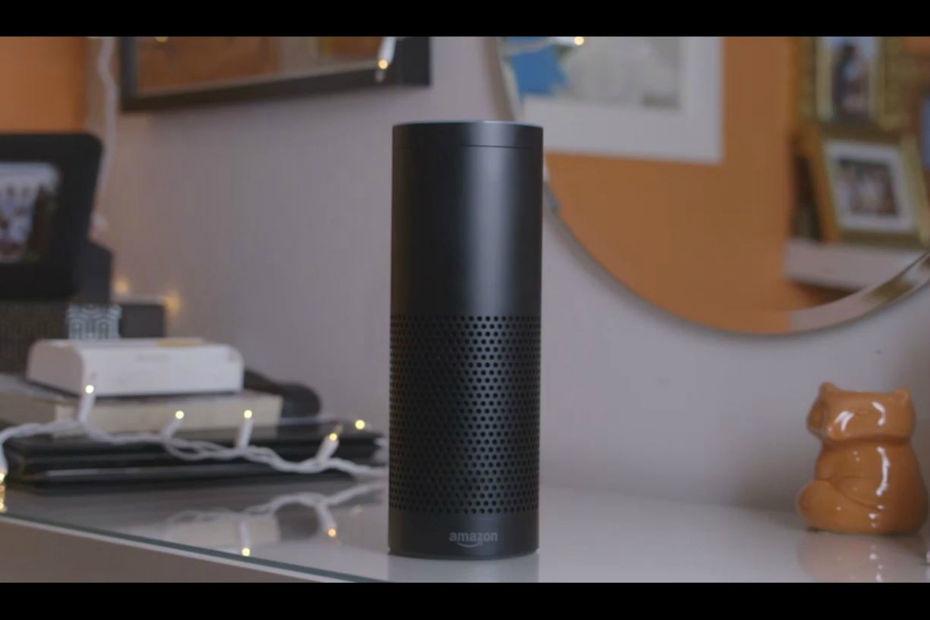 Amazon Echo, l'enceinte connectée d'Amazon équipée de l'assistant vocal intelligent Alexa.
