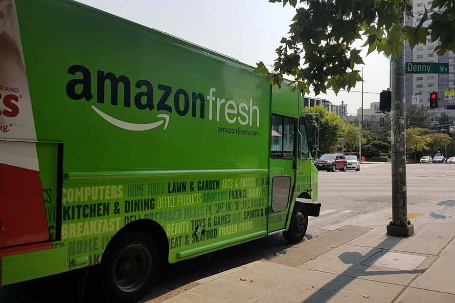 Camion Amazon Fresh dans les rues de Seattle.