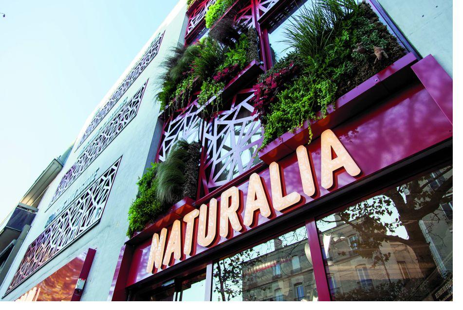 Naturalia Mise Sur Le Service Dans Son Nouveau Grande