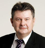 Noel Prioux, patron de Carrefour France, nomme un trio pour relancer les hypers