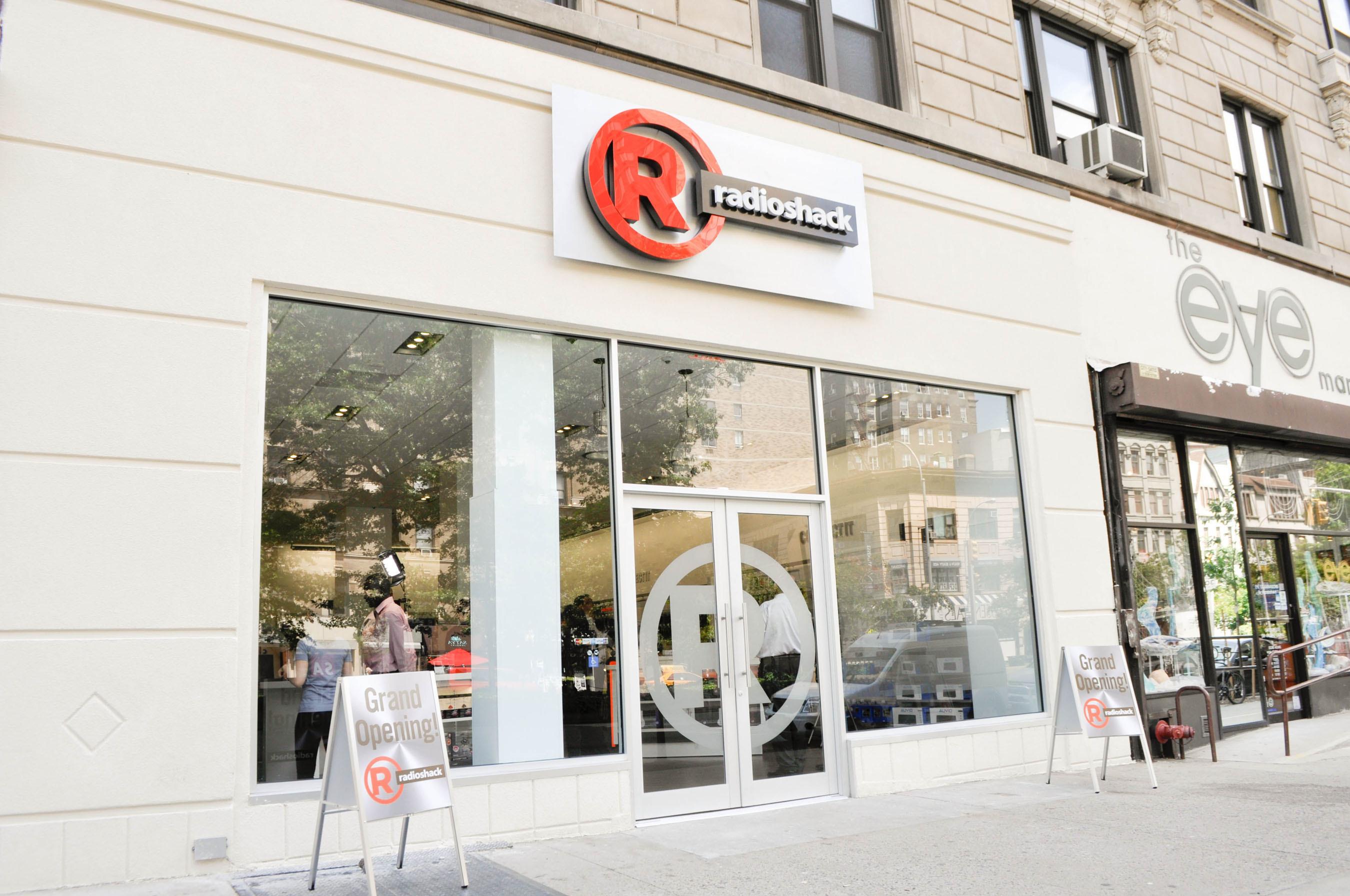 radioshack repense ses magasins et son march multim dia. Black Bedroom Furniture Sets. Home Design Ideas