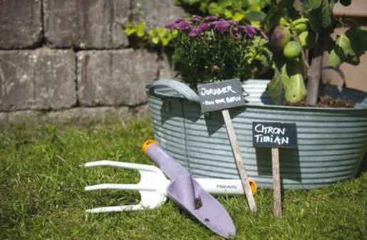 Outillage fiskars donne de la couleur au bricolage for Outillage de jardin fiskars