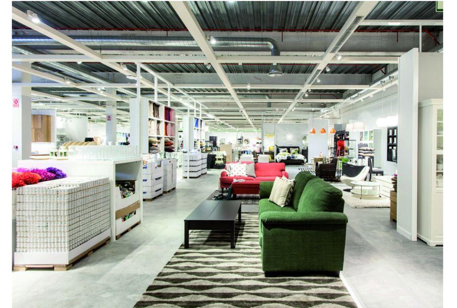 Ikea Ameublement ikea creuse l'écart avec conforama et but - marché maison