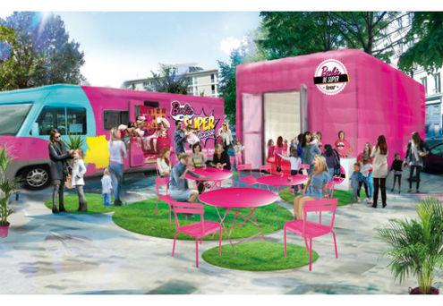 Barbie part en tourn e en france dans son loisirs culture - Barbie grandeur nature ...