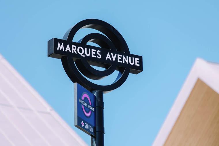 marques avenue se branche sur les flux de l a13. Black Bedroom Furniture Sets. Home Design Ideas