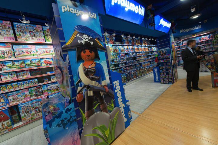 Jou club r nove son magasin amiral loisirs culture for Piscine playmobil jouet club