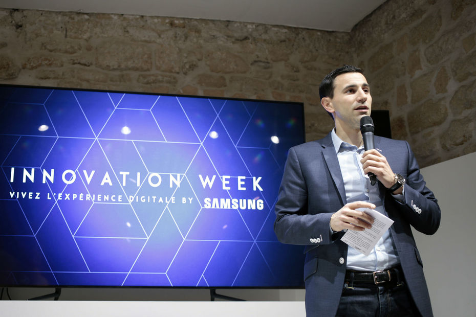 """On ne croit pas du tout à la disparition des magasins et des points de vente physiques"", indique Maxime Girauton, irecteur Marketing & Communication chez ?Samsung Electronics France"
