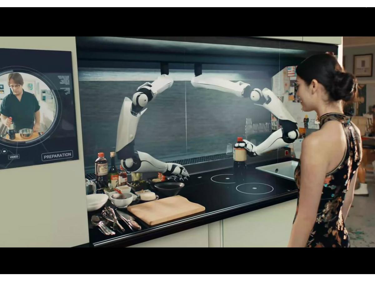 Le premier robot cuisinier bras et for Cuisinier bras