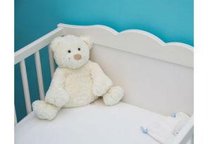 Ikea rappelle 169 000 matelas pour b b s march maison for Securite fenetre bebe ikea