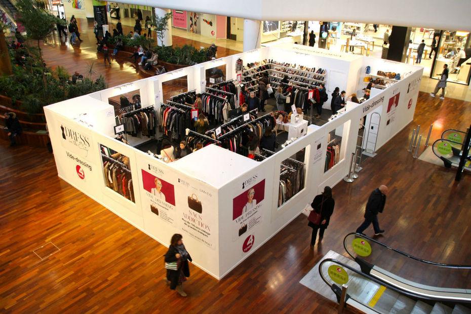 Ce concept de vide-dressing va être déployé dans les centres commerciaux français dès 2017 aux 4 Temps, Vélizy 2, Parly 2, Rosny 2, So Ouest, Aéroville, La Part- Dieu, Confluence et Euralille.